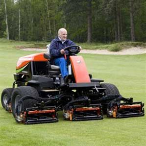 The Jacobsen Fairway 250 cylinder ride-on mower from Ransomes