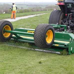 The 8400GR rotary tractor-mounted mower from Major Equipment