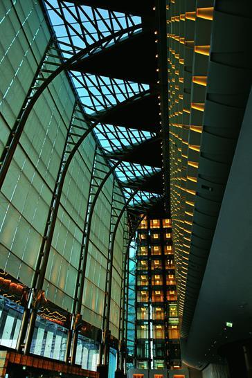 The Meydan lobby (c) Meydan/Teo A. King Design Consultants