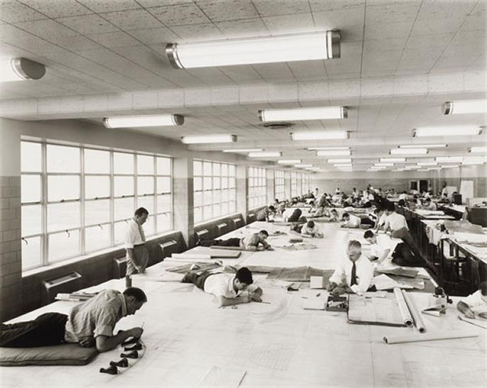 Ford Motor bomber factory, Willow Run, Michigan, by Albert Kahn Associates, view of the drafting room, 1942. Photograph by Hedrich-Blessing. CCA Collection PH2000:0393. Gift of Federico Bucci. Canadian Centre for Architecture, Montreal. Gift of Federico Bucci. © Chicago History Museum, HB-07074-G.