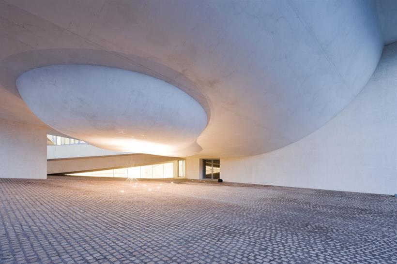Steven Holl Architects, Cite de L'Ocean et du Surf