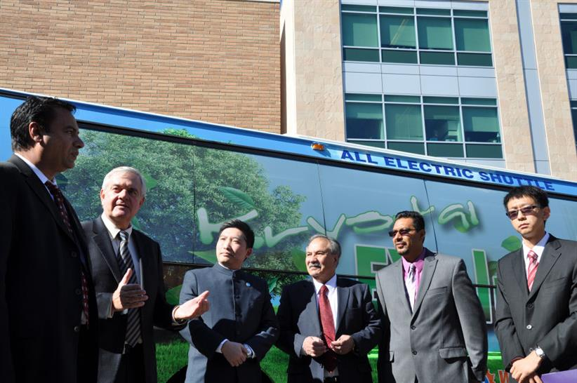 In the center, Zhifan Zhong, president of Winston Battery Limited, and Reza Abbaschian, dean of the Bourns College of Engineering