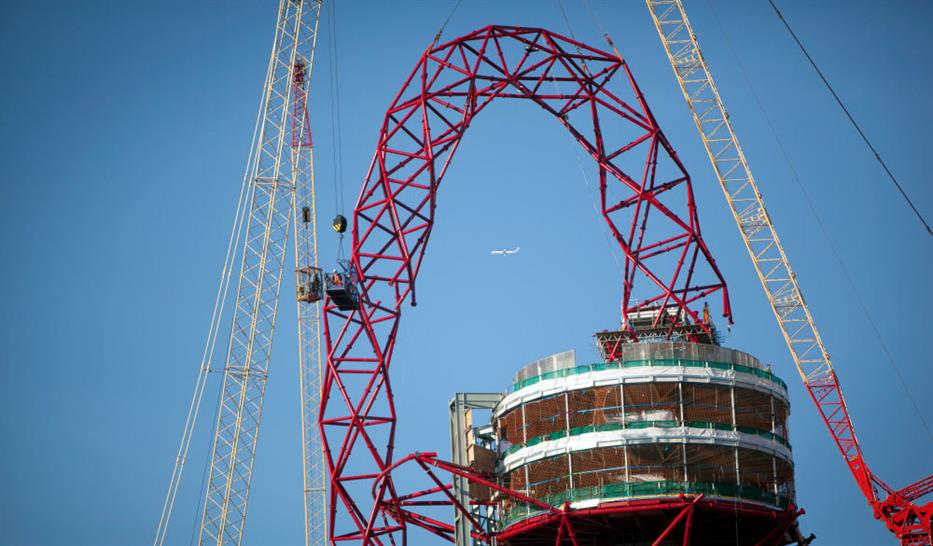 ArcelorMittal Orbit tops out