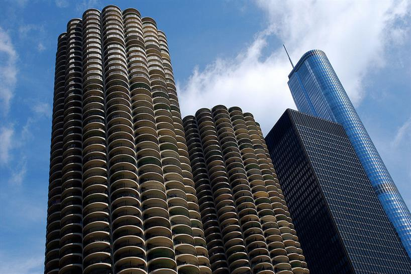 The IBM building between Marina City and Trump Tower. Image: Xevi V