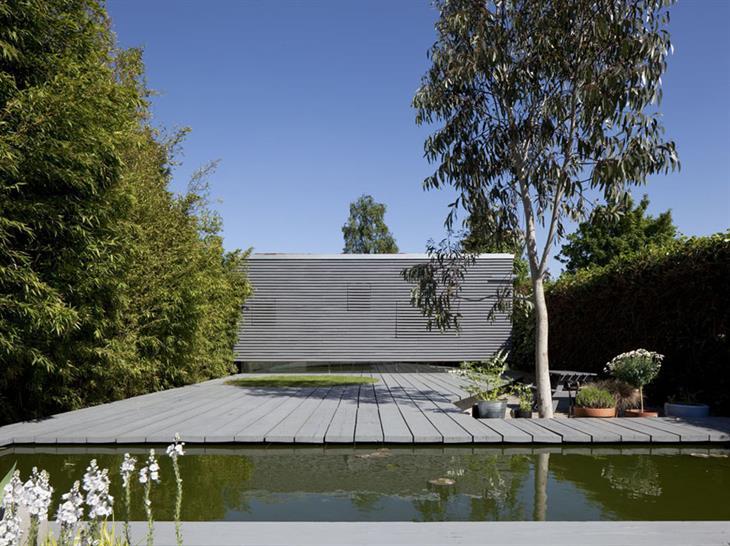 Suburban Studio by Ashton Porter Architects © Andy Stagg