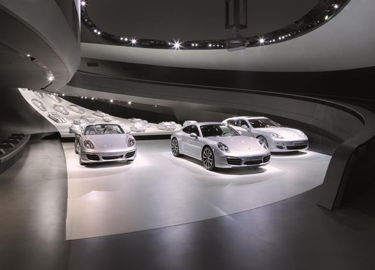 """<a href=""""http://backstage.worldarchitecturenews.com/wanawards/project/porsche-pavillon-at-autostadt-wolfsburg/?source=sector&selection=all"""" target=""""_blank"""">Porsche Pavillon at Autostadt Wolfsburg</a> by HENN © HG Esch"""