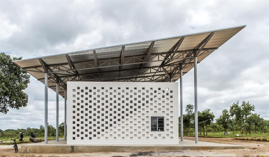 "<a href=""http://backstage.worldarchitecturenews.com/wanawards/project/chipakata-children-s-academy/"" target=""_blank"">Chipakata Children's Academy</a> Susan T. Rodriguez (Ennead Architects), Frank Lupo, Randy Antonia Lott © Joseph Mizzi"