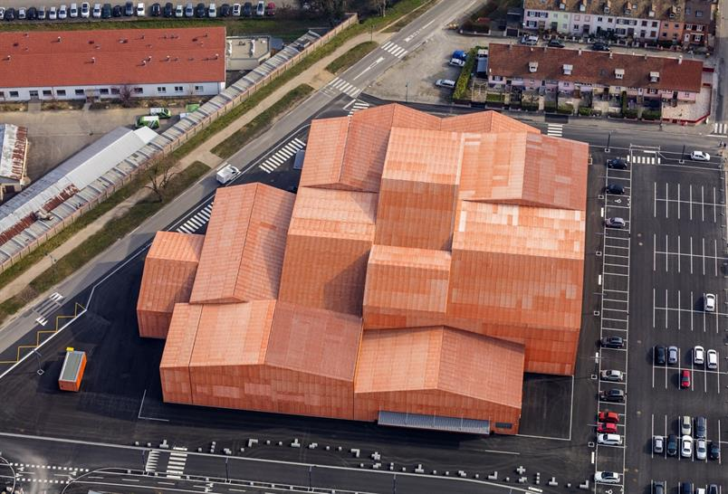 """<a href=""""http://backstage.worldarchitecturenews.com/wanawards/project/the-forum-associative-events-and-sportive-facilities/"""" target=""""_blank"""">The « FORUM » Associative</a> by MANUELLE GAUTRAND ARCHITECTURE © Guillaume Guérin"""