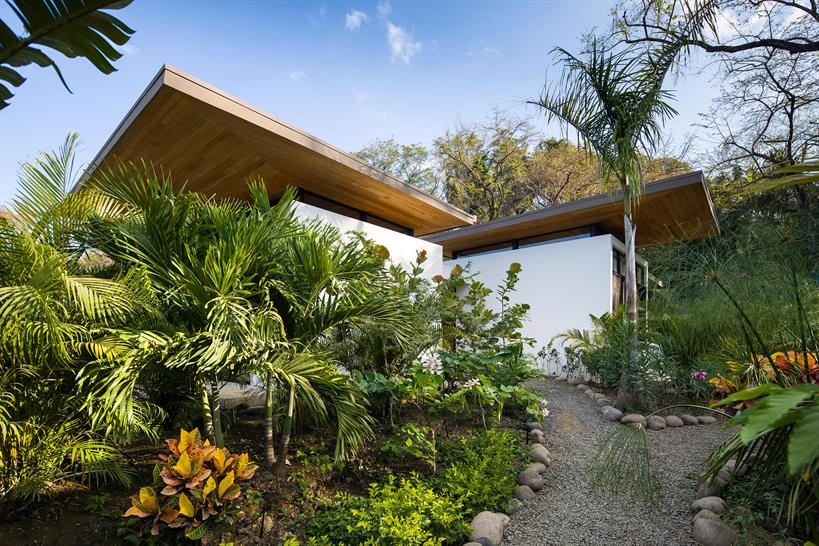 """Studio Saxe<a href=""""http://www.garcialachner.com/architecture-and-design"""" target=""""_blank"""">Andres Garcia</a> Instagram: <a href=""""https://www.instagram.com/garcialachner/"""" target=""""_blank"""">@GarciaLachner</a>"""