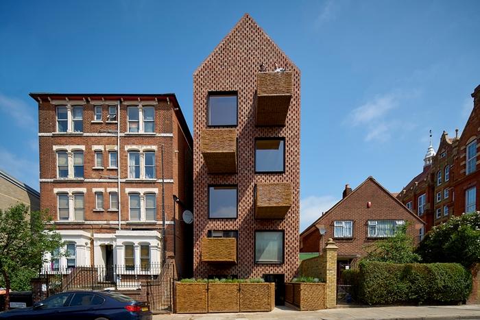 Barretts Grove cross-laminated timber housing scheme © Tim Soar
