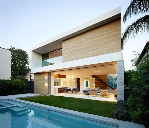 03- Crescent Drive Residence, Beverly Hills, California; photo credit: Matthew Millman
