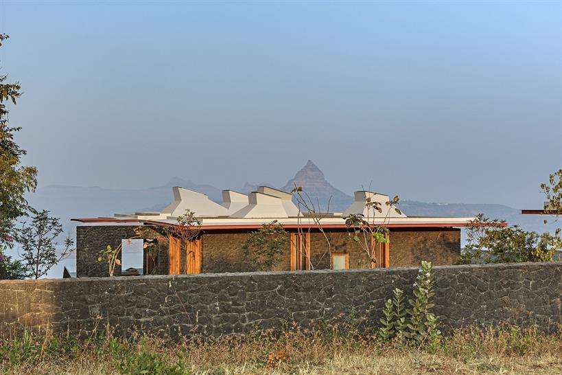 "<a href=""https://backstage.worldarchitecturenews.com/wanawards/project/retreat-in-the-sahyadris/"" target=""_blank"">Retreat in the Sahyadris</a> by Khosla Associates © Shamanth Patil J."