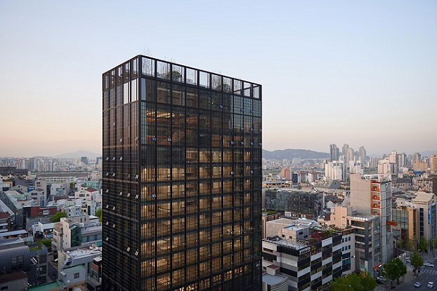"<a href=""https://backstage.worldarchitecturenews.com/wanawards/project/shinsegae-international/"" target=""_blank"">Shinsegae International</a> by &copy; Olson Kundig Architects"