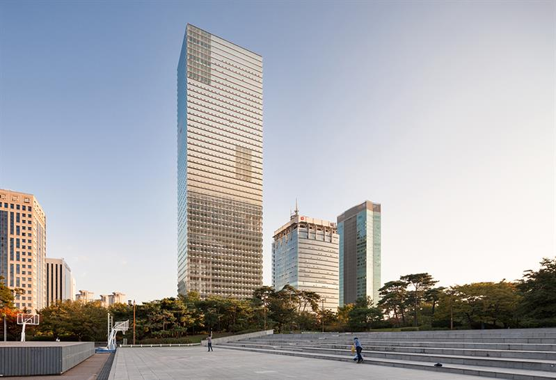"""<a href=""""https://backstage.worldarchitecturenews.com/wanawards/project/fki-tower-new-one-two-three-four/"""" target=""""_blank"""">FKI Tower</a> by &copy; Adrian Smith + Gordon Gill Architecture"""