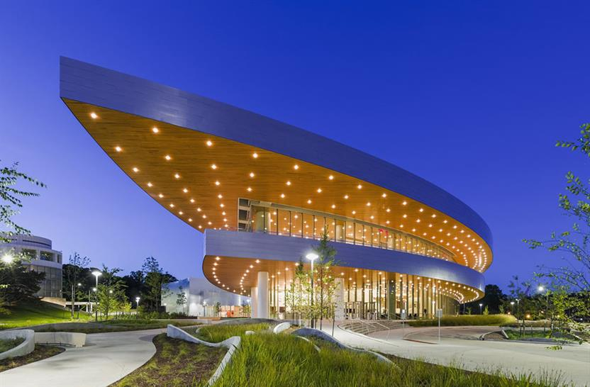 "<a href=""https://backstage.worldarchitecturenews.com/wanawards/project/hancher-auditorium-university-of-iowa/"" target=""_blank"">Hancher Auditorium</a> by © Pelli Clarke Pelli Architects"