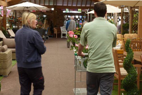 Commitment to Customer Service - Sidmouth Garden Centre - image: HW